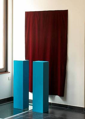 moon iii, 2002, acry, wood, fabric, 180x63x120 cm 01.jpg